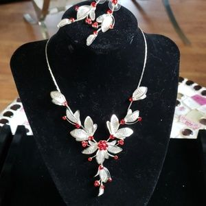 Delicate necklace with earrings